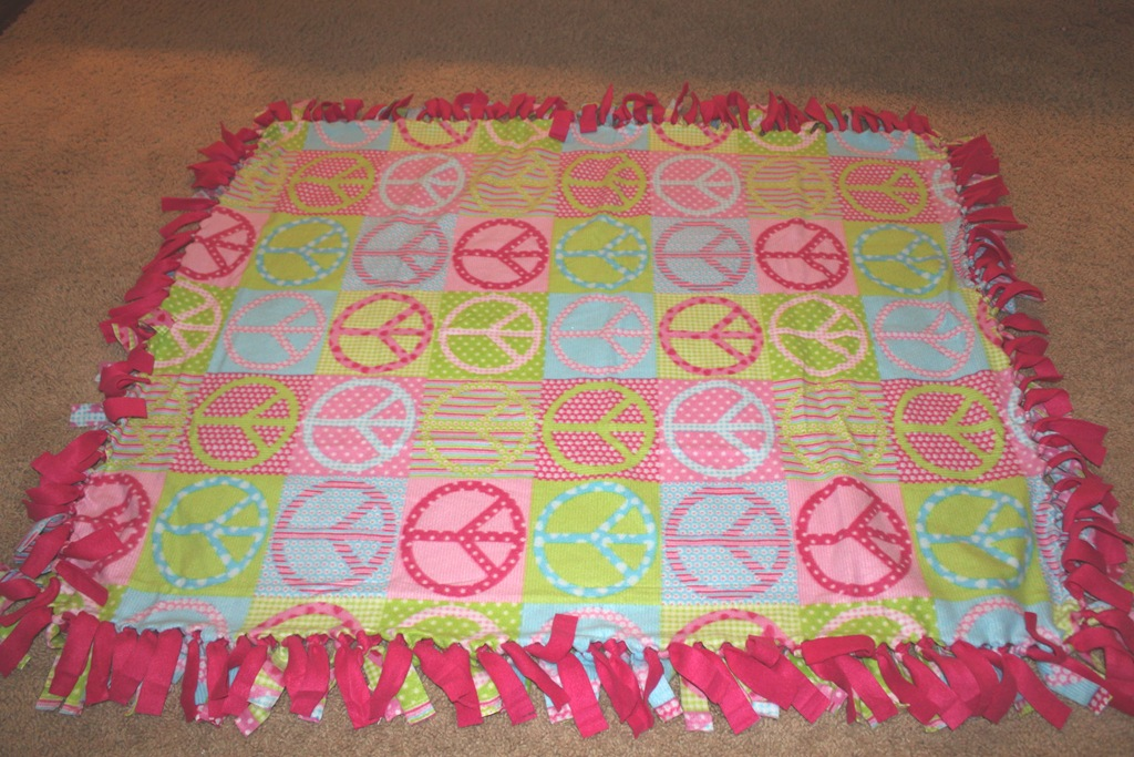 No Sew Fleece Tie Blanket Tutorial Confessions Of A Homeschooler Best Cute Fleece Throw Blankets