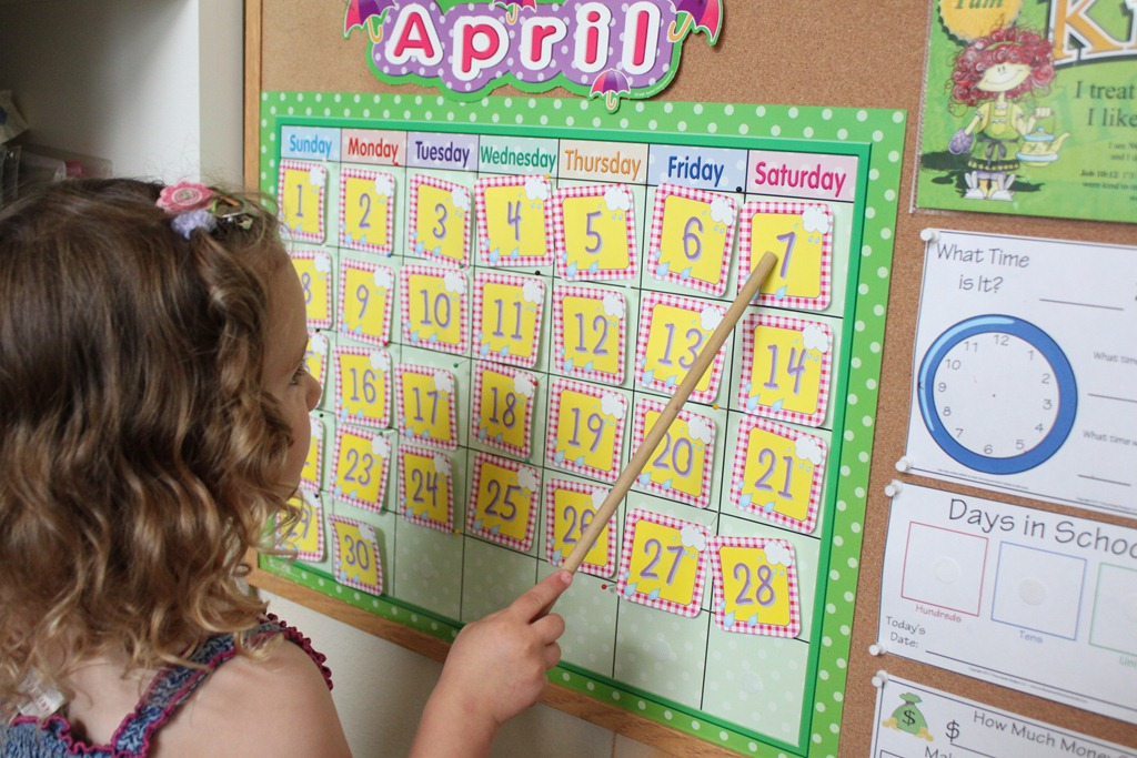 Kindergarten Calendar Craft : Preschool letter e activities confessions of a homeschooler