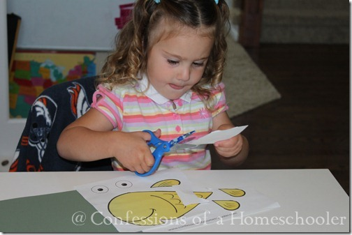 Teeny Tot preschool cut and paste activity